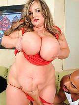 Veronica Vughn takes herself a nice big black dick to her snatch!